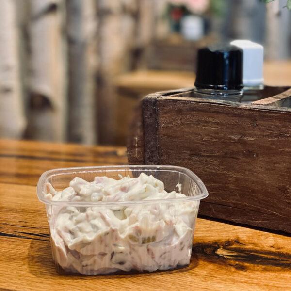 Fleischsalat vom Metzger Weller - in der Praktischen Schale zum Mitnehmen!